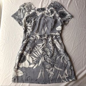 Openback ruffle missguided dress